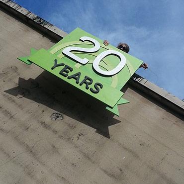 Gossamer 20 year sign